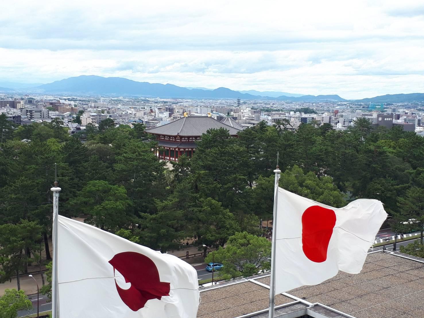 奈良より金剛山・葛城山・二上山を望む